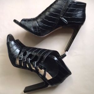 BCBGMaxAzria Shoes - BCBG Max Azria Vero Cuio Cage Straps Heels Sexy10